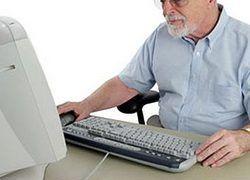 Пожилые люди отвечают на e-mail скорее, чем другие пользователи