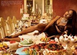 Новая фотосессия Наоми Кемпбел в журнале Vogue