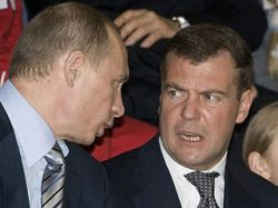 Медведев поручил Путину курировать нацпроекты