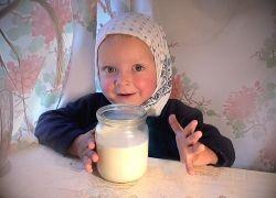 Детям до двух лет показано молоко 2% жирности
