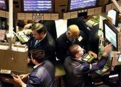 На торгах в Нью-Йорке резко упала цена на нефть