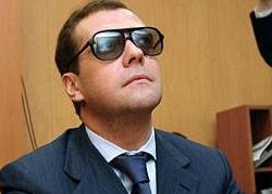 Медведев старается прослыть человеком современных взглядов