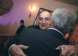 Экс-сенатор от Калмыкии Чахмахчян сядет на 9 лет
