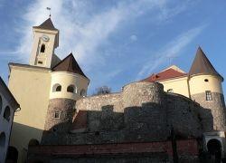 В Крыму обрушилась башня средневековой крепости