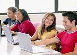 Медведев обещает студентам компенсации затрат на интернет