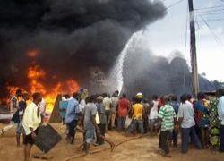 Нигерийские боевики взорвали нефтепровод