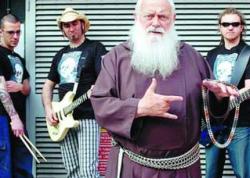 Монах-капуцин выпустил второй альбом в стиле хеви-метал