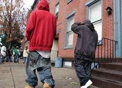Американским подросткам запретили носить спущенные штаны