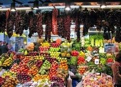 Перекупщики вытесняют фермеров со столичных рынков