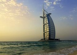 Дубай: от нефти до туризма