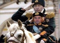 Треть москвичей видят Путина в роли царя