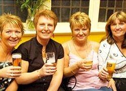 Пивоварня Coors заставляет своих сотрудниц пить пиво