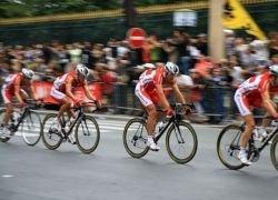 """Велогонка \""""Тур де Франс\"""" вернулась во Францию"""