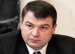 Министр обороны Сердюков сменил ещё одного главкома
