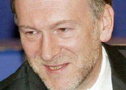 Александр Волошин освобождает Михаила  Ходорковского