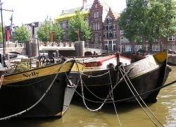 В Амстердаме пройдет парад на воде