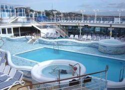 Туристке прыгнувшей в пустой бассейн выплатят 25 тыс шекелей