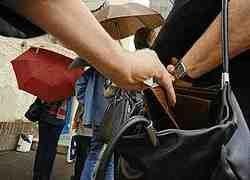 Как работают карманники и мошенники в метро?