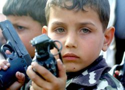Нужно ли разрешить свободную продажу оружия в России?