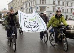 Первую велодорожку со стоянками откроют в столице осенью