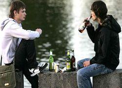 Депутаты запретят пить пиво в подъездах