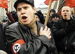 В Москве милиция штурмует квартиры нацболов