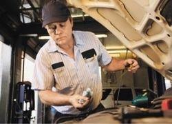 Чем опасна профессия механика?