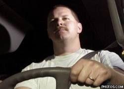 Мужчины реже женщин отдают руль в чужие руки