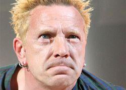 Вокалист Sex Pistols пригрозил прессе судом за обвинения в расизме