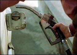 «Коммерсантъ» предсказал снижение цен на бензин