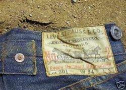 На аукцион выставлены 100-летние джинсы Levi\'s