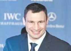 Кличко-старший сразится с Сэмюэлом Питером в октябре
