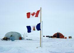 Кому принадлежит богатое ресурсами дно под Северным полюсом?