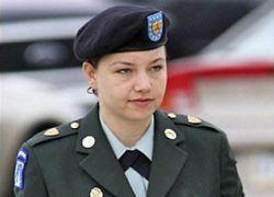 Каждую третью служащую армии США насиловали сослуживцы
