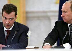 Первые признаки противостояния между Путиным и Медведевым