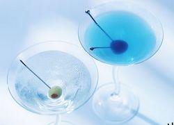 Умение выпить с нужными людьми по-прежнему в цене