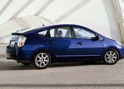 Подержанная Toyota Prius продается дороже новой