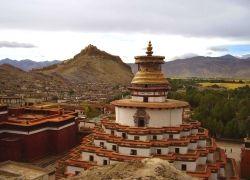 Тибет теряет туристов и доходы