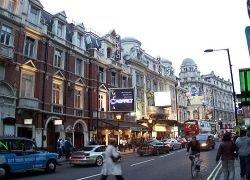 В Лондоне закрылись сразу пять известных театров