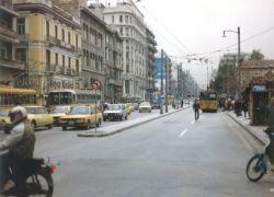 В Греции мужчина носил по улицам голову девушки