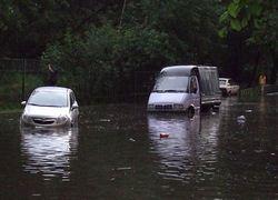 В Москве подтопило два десятка домов