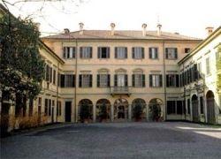 Берлускони собирается увеличить свою виллу в два раза, обойдя закон