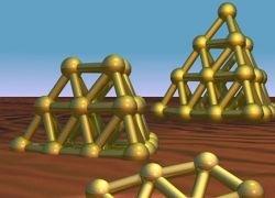 Золото строится в нанопирамиды