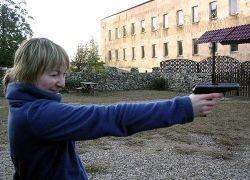 В мире заспорили о том, надо ли гражданам вооружаться