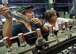 Региональные власти пытаются вернуть себе контроль за рынком алкоголя