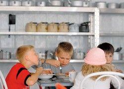 Онищенко: детей в лагерях травят гастарбайтеры