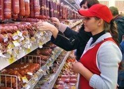 Русских в Эстонии травят просроченными финскими продуктами