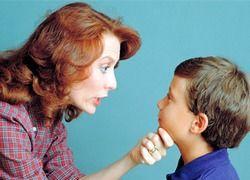 Стоит ли вмешиваться в процесс воспитания чужих детей?
