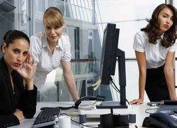 Как относятся к подхалимам на работе?
