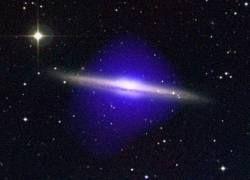"""Звездная \""""зеленая клякса\"""" оказалась световым эхом квазара"""